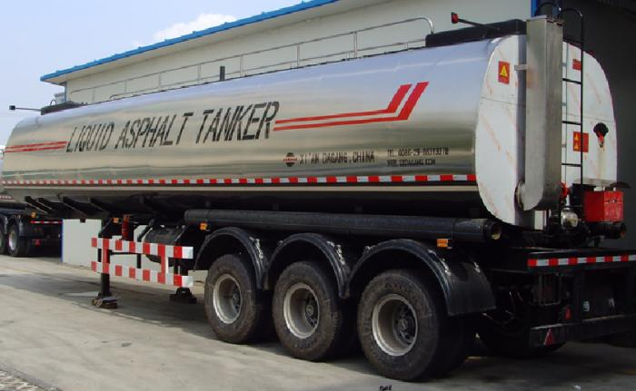 35,000 liters liquid asphalt tanker with insulation layer